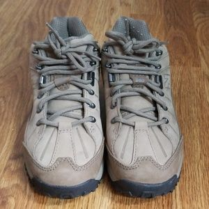 0d8e4189134 New Balance 965 Leather Country Walker Shoes